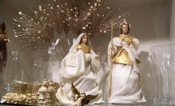 Різдво в Італії: вертепи, базари і панеттоне