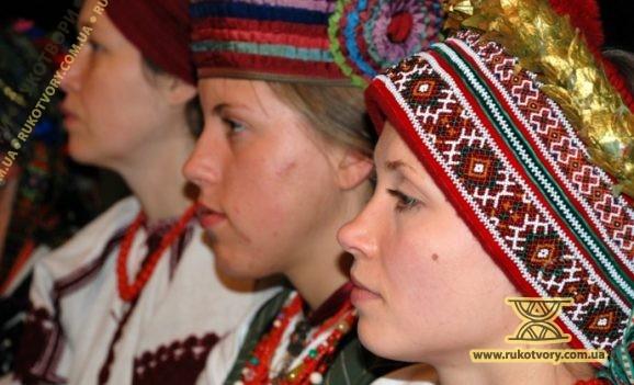 """Виставка """"Українське весілля: обрядова атрибутика"""""""