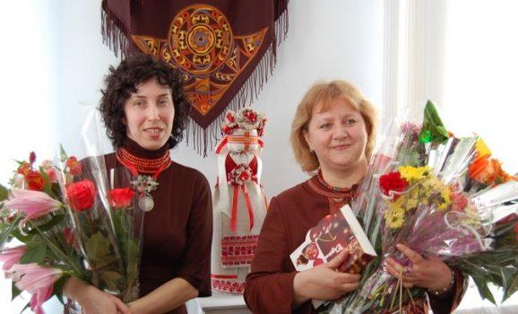 Виставка вузлової ляльки та народної хустки