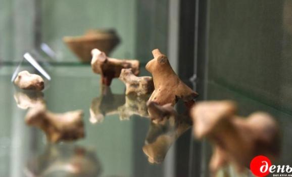 Виставка трипільських пам`яток триває у Львівському історичному музеї