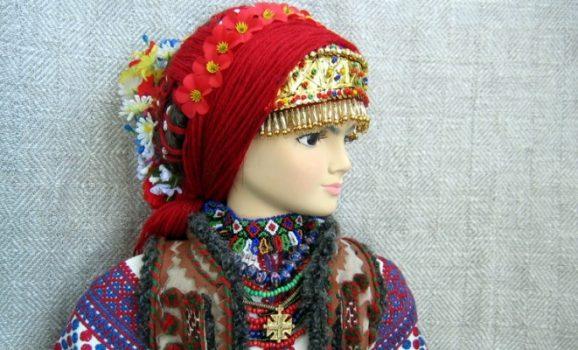 Юрій Мельничук: Типажі ляльок-українок творила ясновидиця