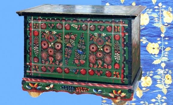 У Києві триває виставка, присвячена скриням в українському побуті