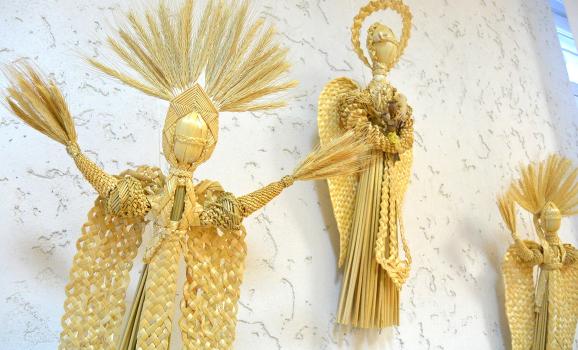У Спілці майстрів відкрилася виставка виробів з лози, соломки та кореня сосни