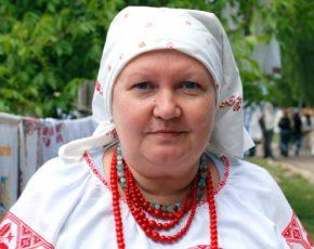 Олена Упір